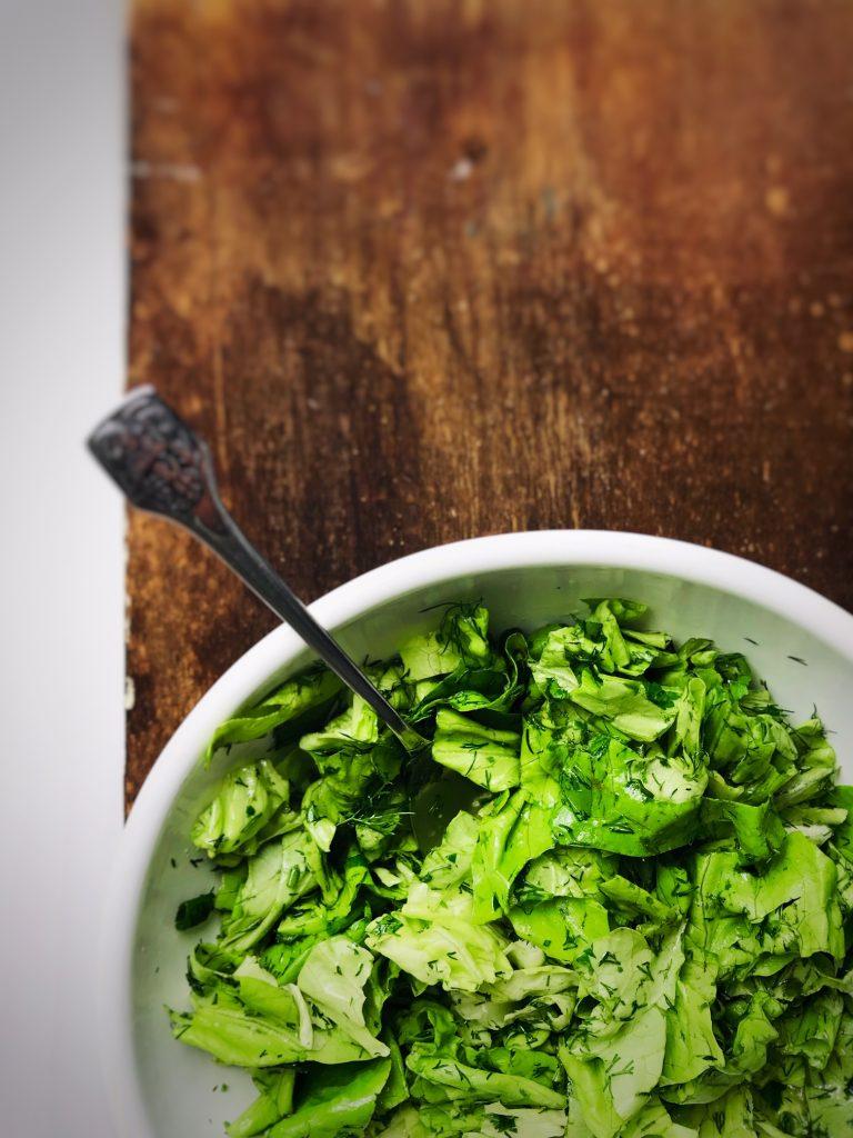 Salată simplă de primăvară